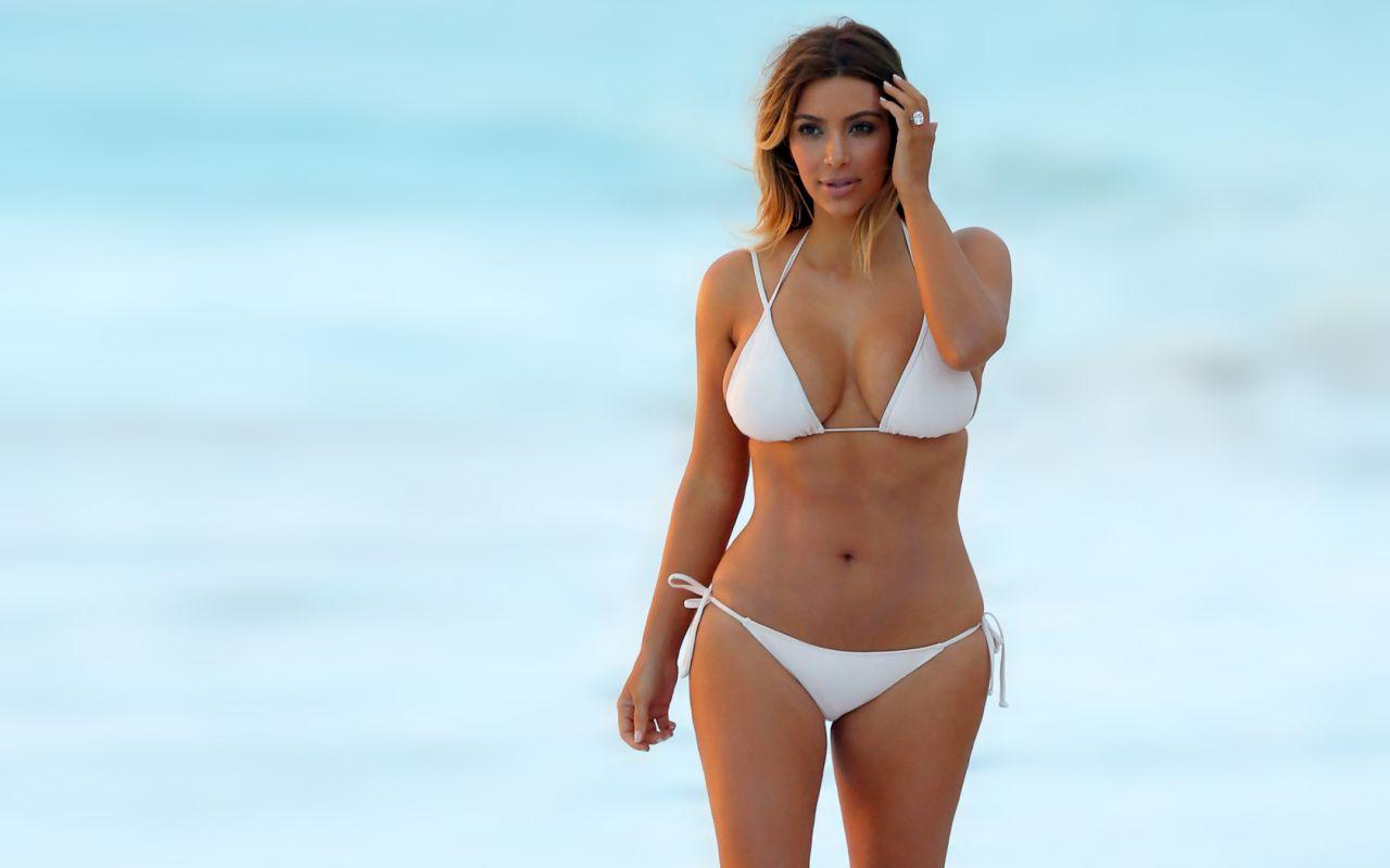 kim-kardashian-bikini-wallpapers-6-_1