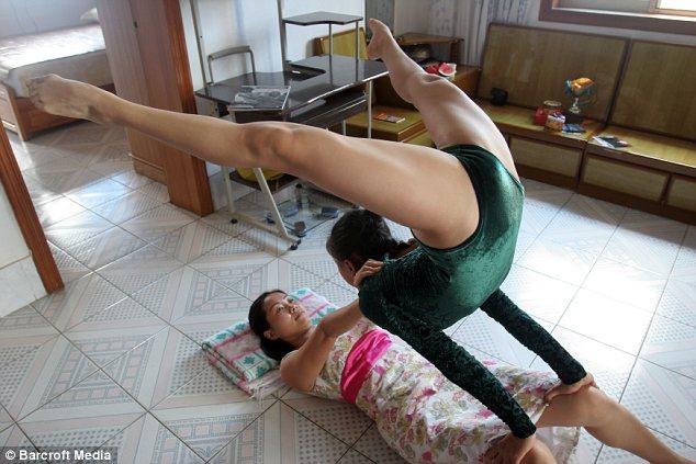 foto-seksa-s-gimnastkami